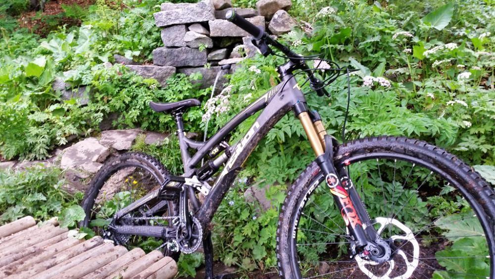 AM / Enduro bike - Transition Covert CF 27.5