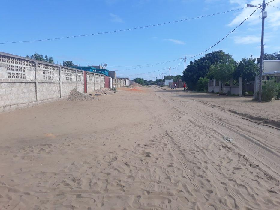 15x30 em khongolote / Manpadane / 1 de maio / Nkobe a 400 m da estrada