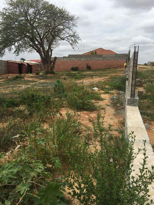 Terreno de 30x30 no BPC bem localizado