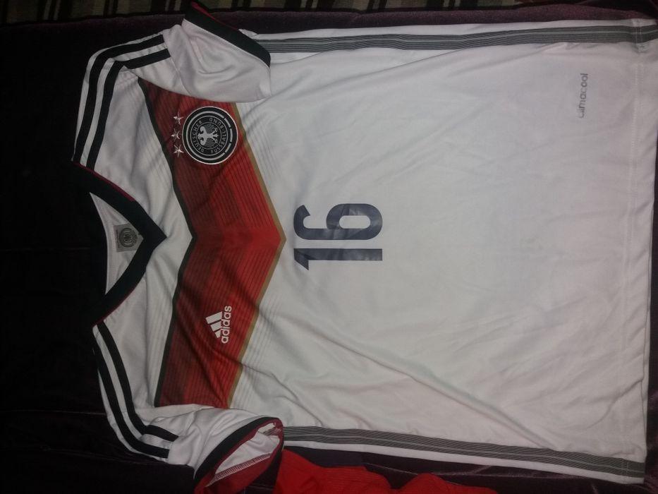 Tricouri fotbal mar M Germania Lahm, England , Arsenal fular