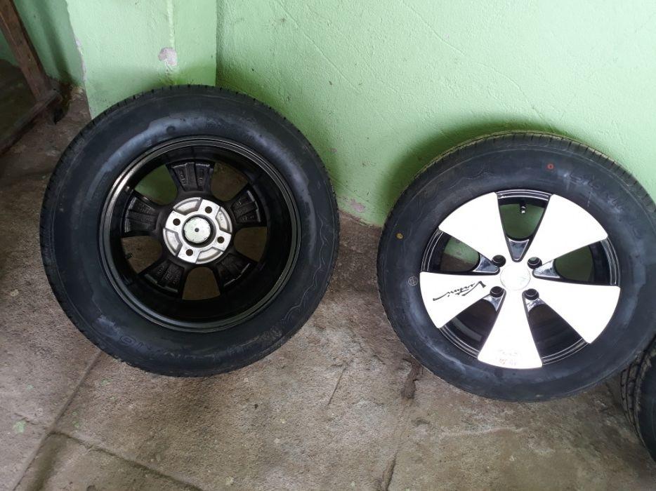Jantes Especiais nr 14, 4 furros com pneus, tudo nobo. 0km