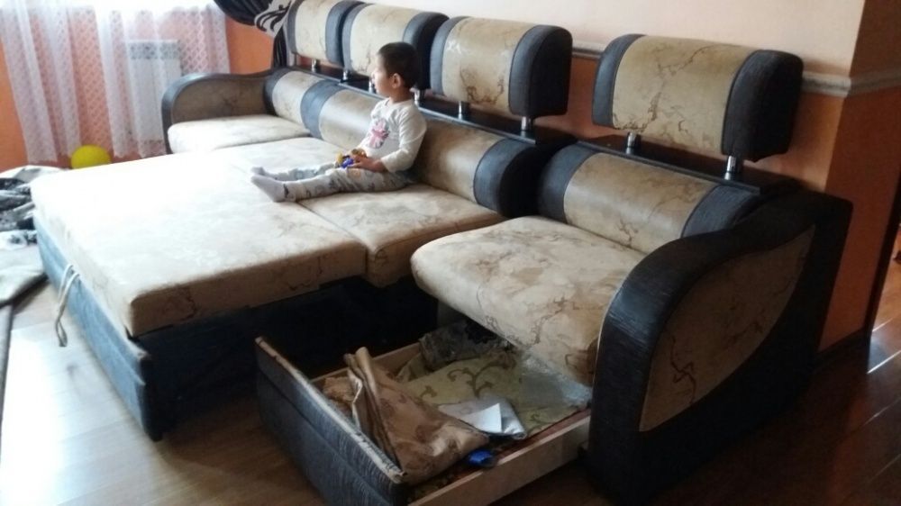 Углавой мебель сатылады