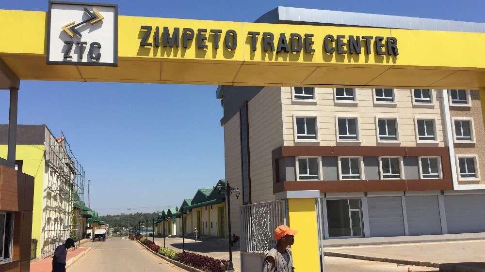 Vende - se Armazen no ZTC av. Moçambique Zimpeto