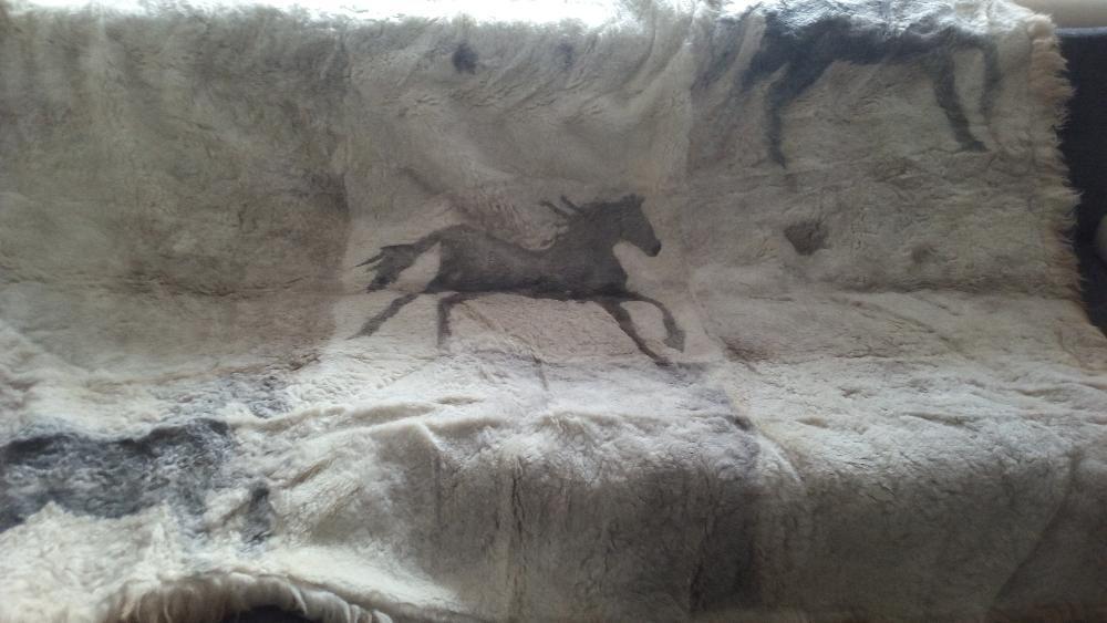 """Натуральное из овчины покрывало-панно """"Три лошади"""""""