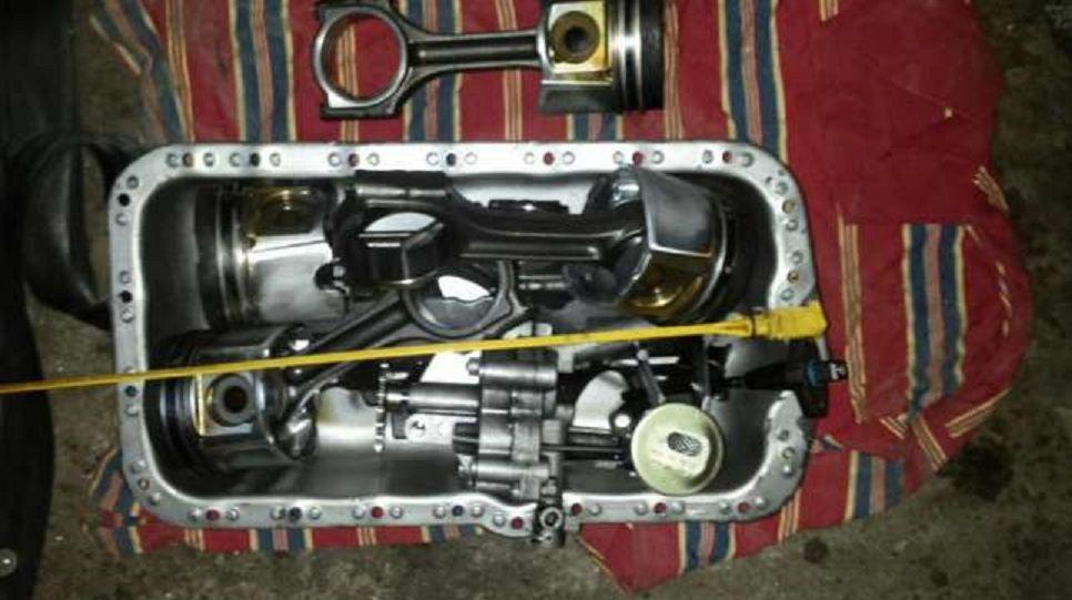 Dezmembrez autoutilitara opel movano an 2004 - 2010 motoare de 2.5