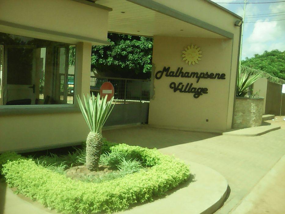 Vendo esta mancao en malhatsene super luchuoza no condominio Cidade de Matola - imagem 8