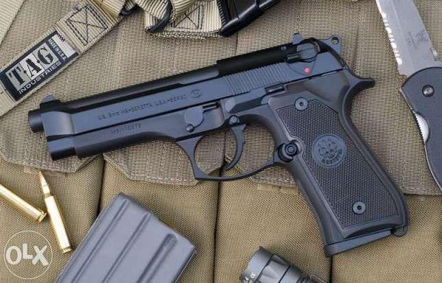 Pistol ultra puternic airsoft (co2,nou)+bonus cu aer comprimat gaz gas