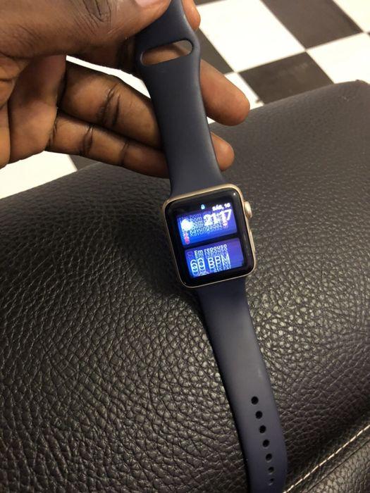 Vendo urgente Apple Watch série 2 usado Maianga - imagem 4