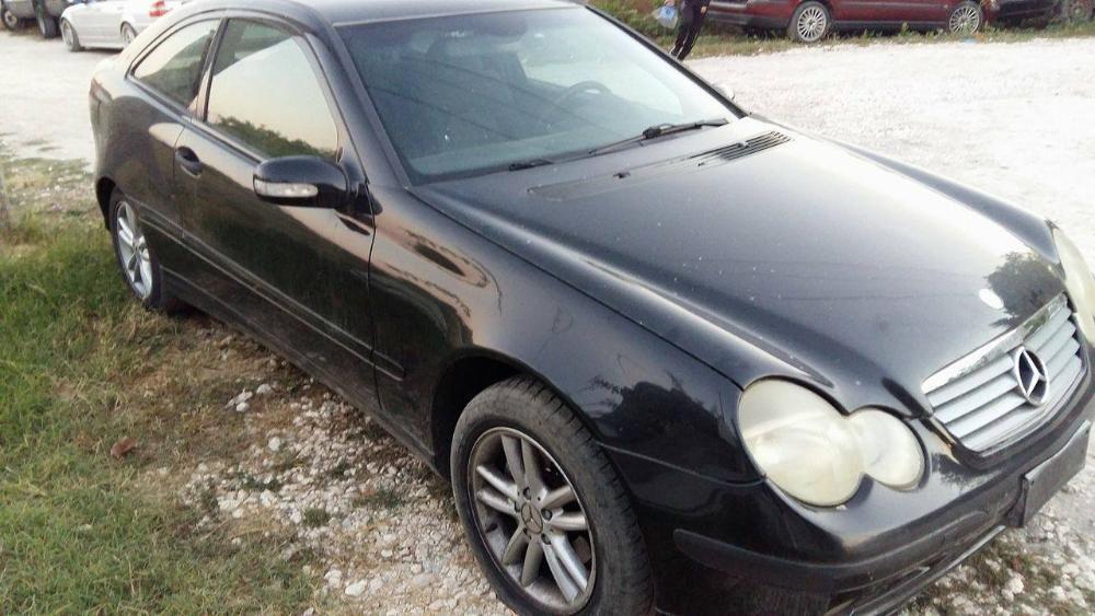 На части Mercedes C220 CDI 143к.с. 2001г