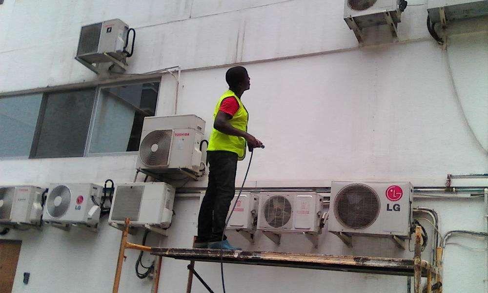 Limpeza, manutenção de ar condicionados