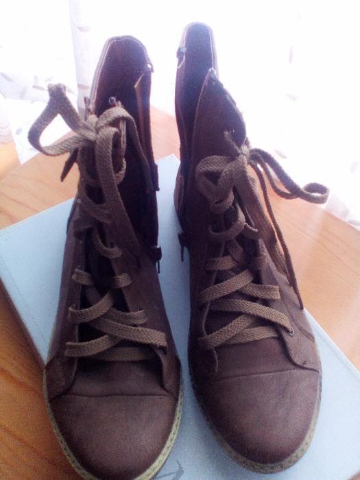 Дамски обувки високи кожа и велур