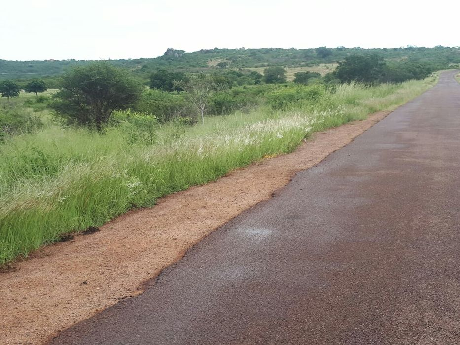 8 hectares na estrada com vista ao rio e barragem dos pequenos libombo