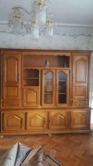 Vitrina mobila lemn masiv - sufragerie
