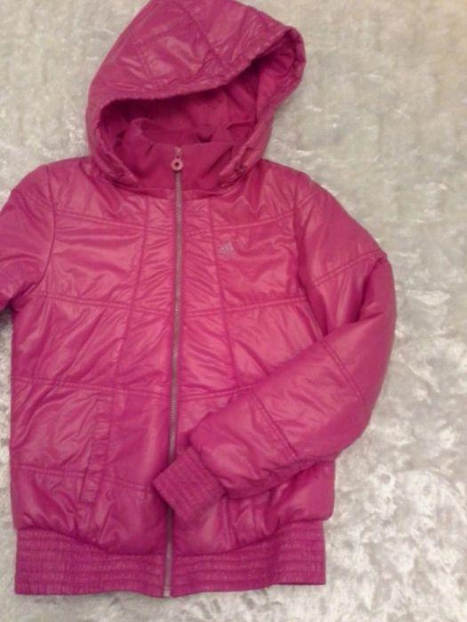 Продам женскую зимнюю куртку Adidas