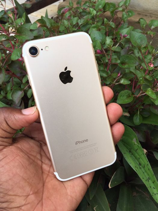 iPhone 7 gold 256g