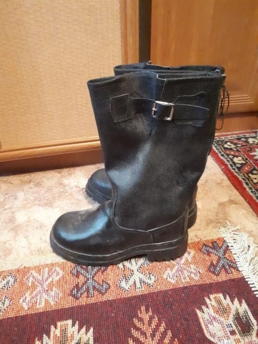 Продам зимнию спец.обувь мужскую