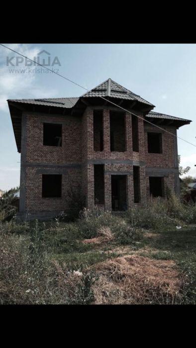 Продам недостроенный дом с времянкой и гаражом