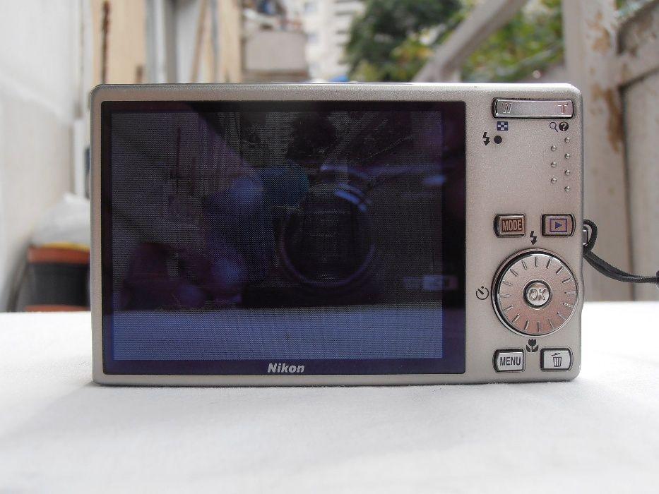 Aparat foto digital compact Nikon S 610
