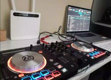 DJ Numark Mixtack 3-Pro Controlador Com Entrada USB