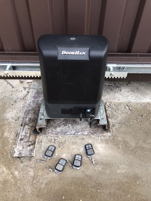 Ремонт автоматических сдвижных откатных ворот.