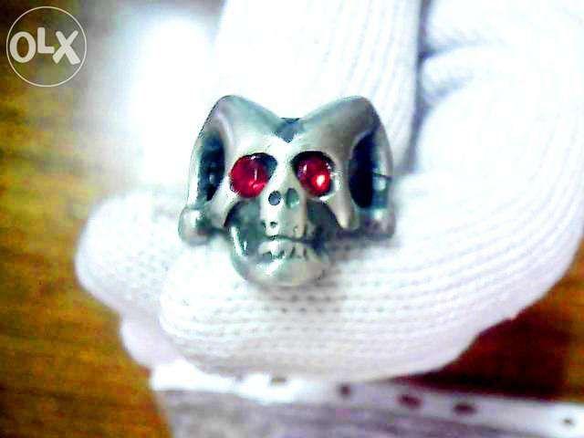 Кольцо перстень с черепом готическое № 3