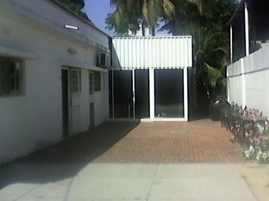 Arrenda-se Sala de Escritorio c/ AC_Busness Center com Serviços Pagos