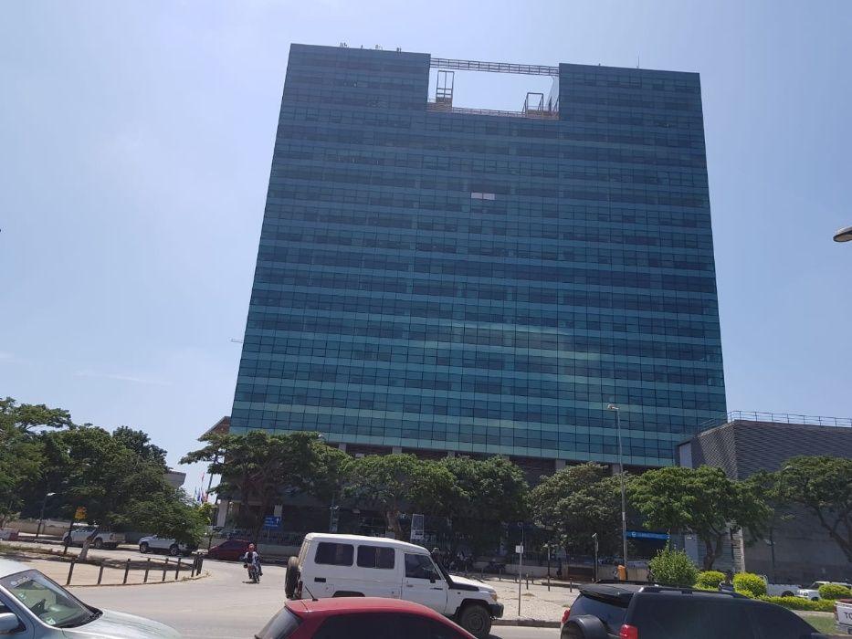Escritório de 578 m2 na Garden Tower