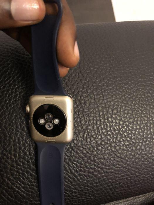 Vendo urgente Apple Watch série 2 usado Maianga - imagem 8
