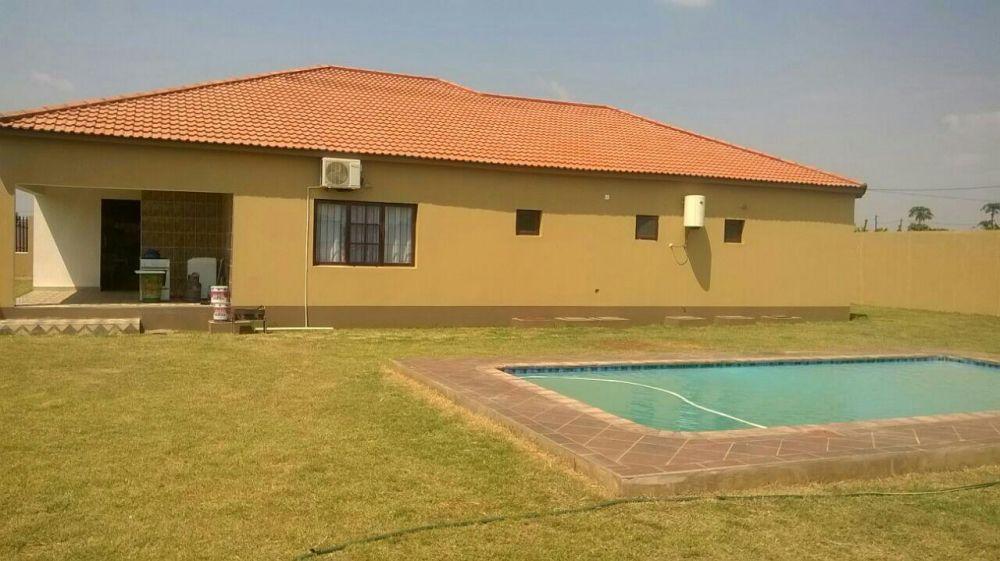 Grande promoção, de uma casa tp4 piscina localizada no Belo Horizonte