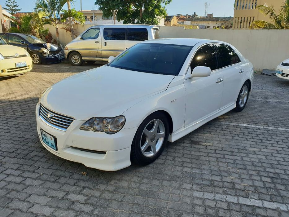 Vendo Toyota Mark X clean