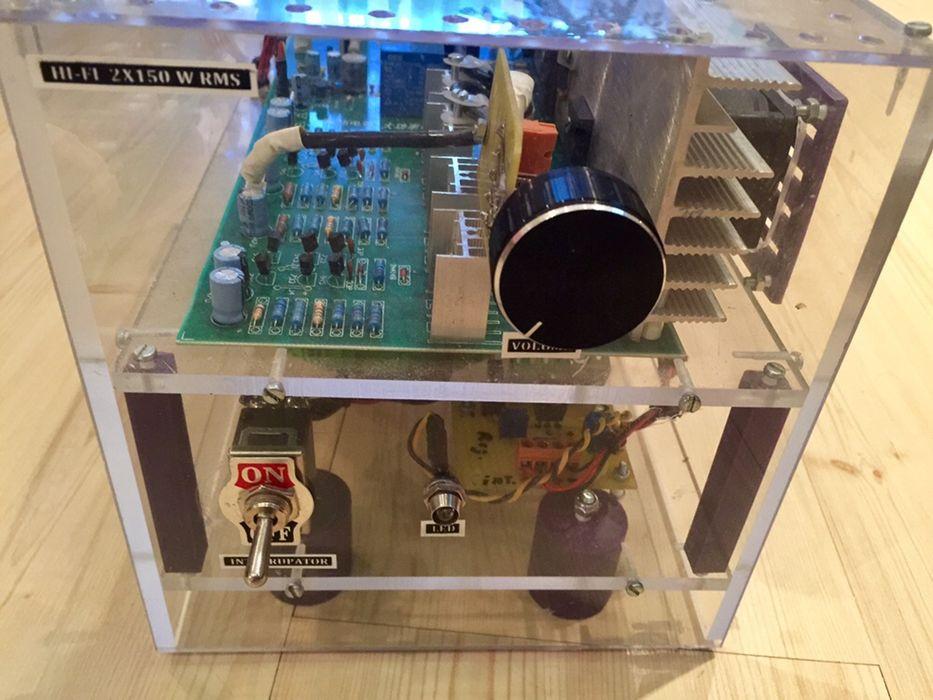 Amplificator 2 x 250w