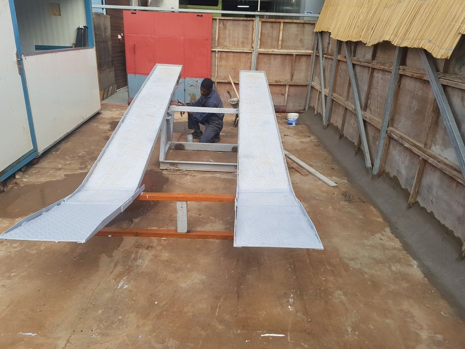 Serviços serralharia/construção/manutenção