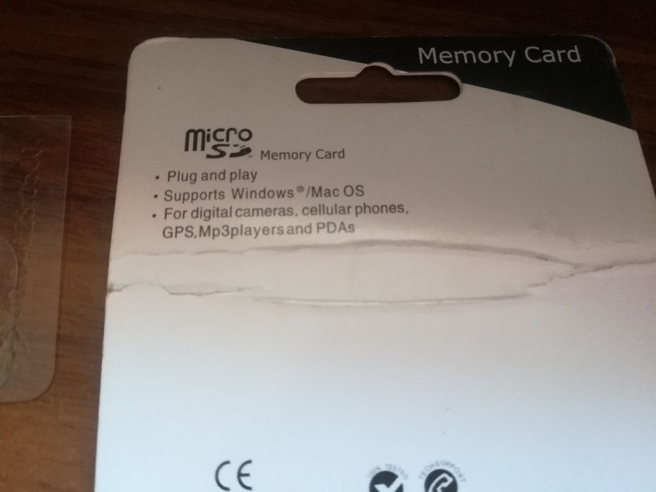 Card de memorie 8GB + 2 adaptoare pc