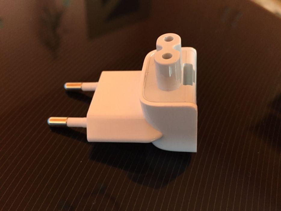 Vand adaptor de priza eu pt incarcatoarele ipad macbook