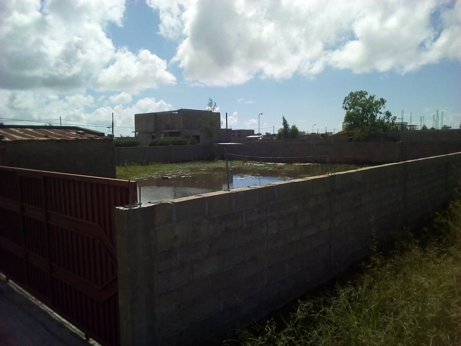 30*35 metros murado