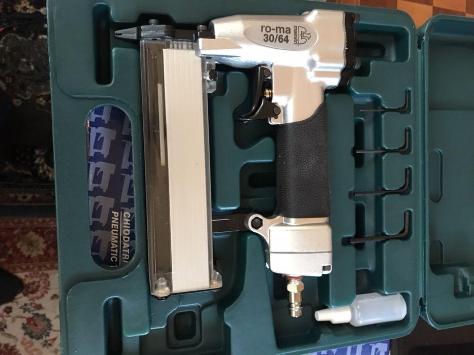 Pistol pneumatic Maestri, made in Italy pentru industria de mobilier