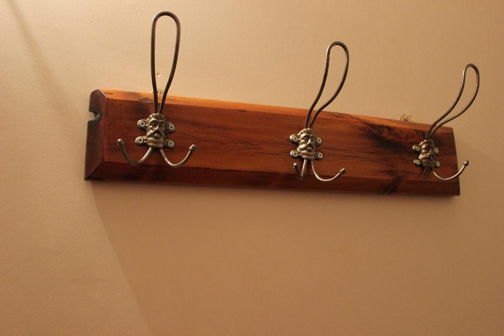 Закачалка - ръчно реставрирана