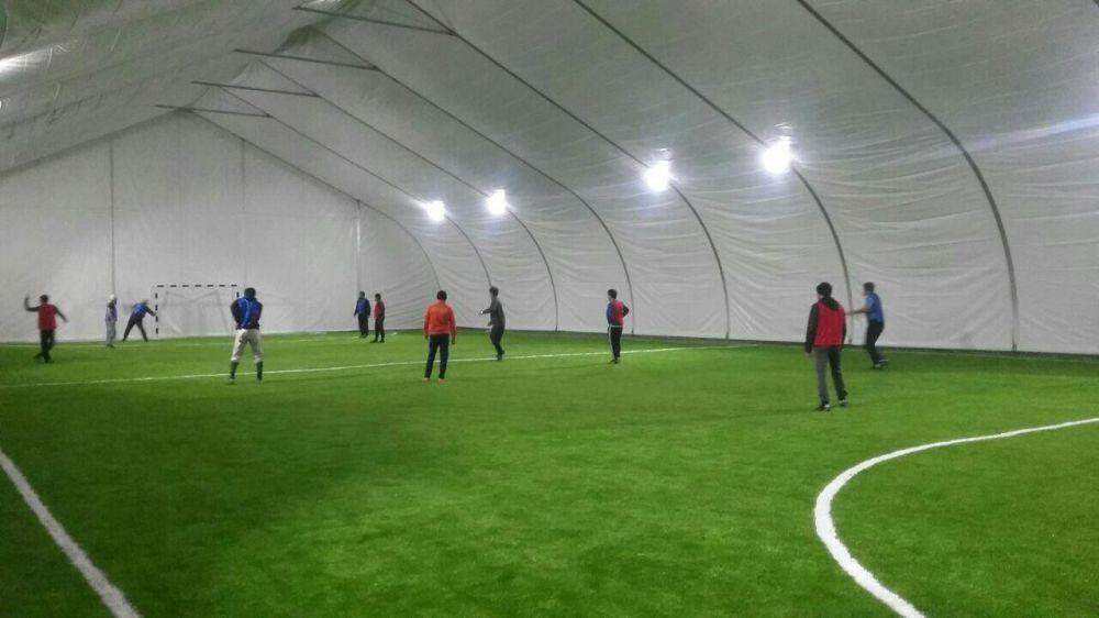Строительство крытых футбольных полей,теннисных кортов.