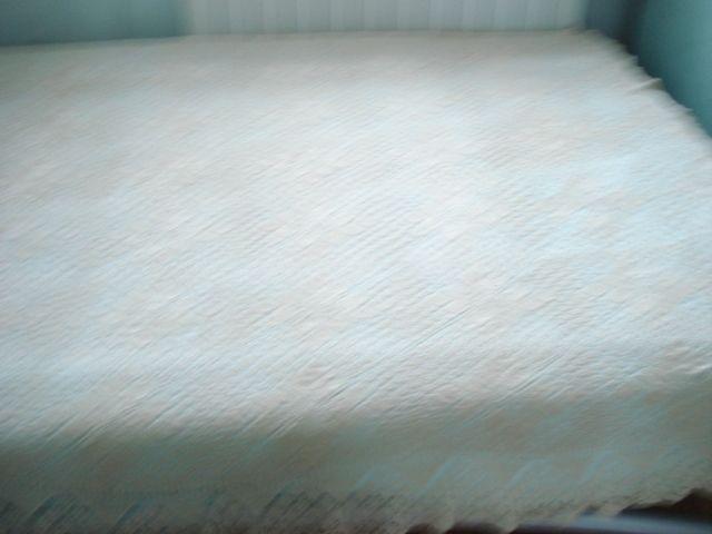 каре българска бродерия и плетена покривка за легло