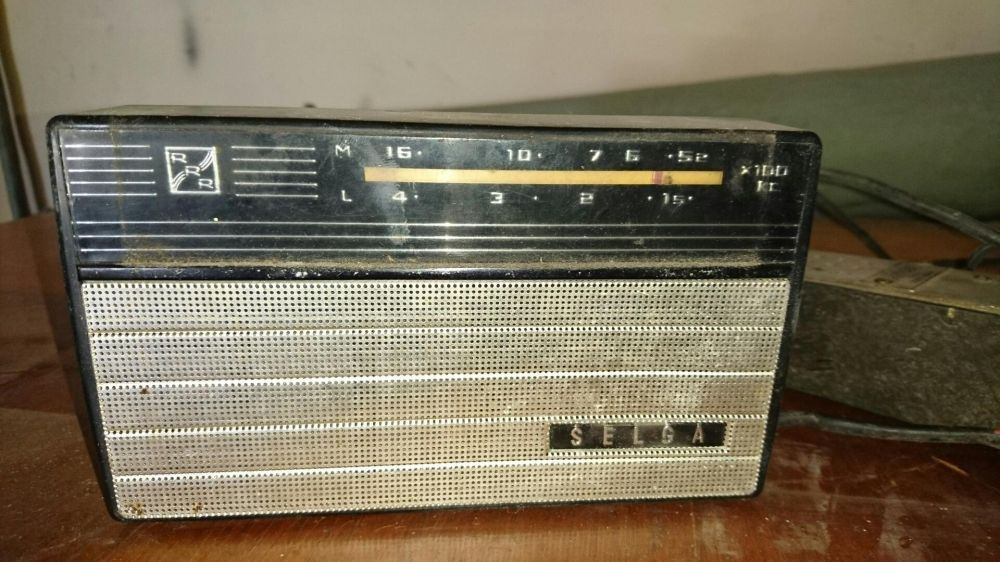 Radio vintage Selga made in Urss