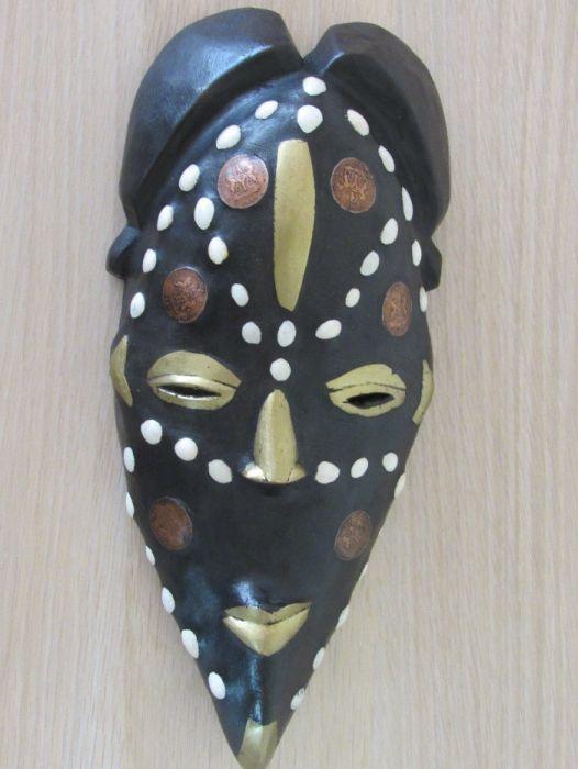 Африканска маска с кобо и бронз