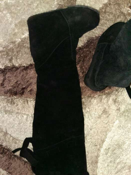 Vand cizme marca Valentino