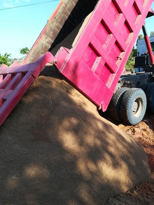 Vendo pedra e areia para construção 24metros cúbicos Bairro do Jardim - imagem 1