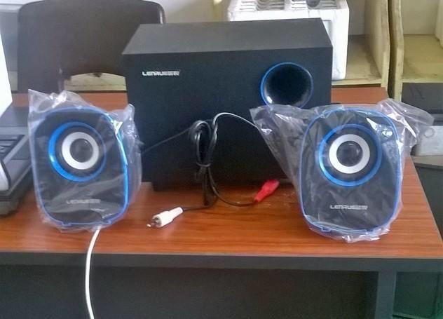 Speaker 2.1 model C3 selado na caixa promoção