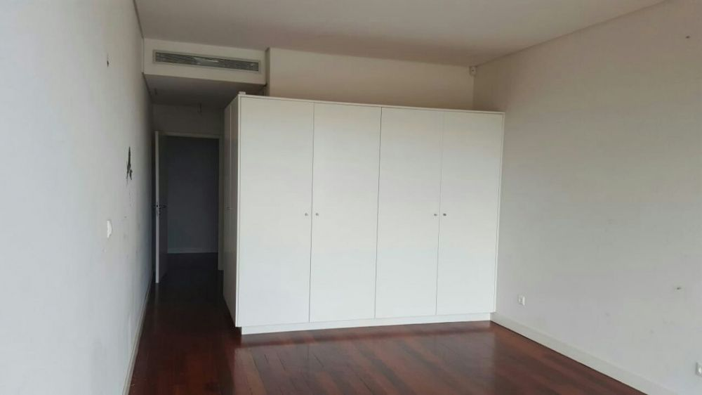 Vende se apartamento tipo 4 na sommerschield