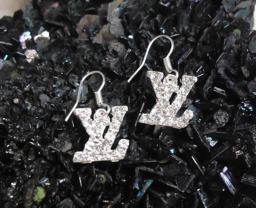 Cercei eleganti argintii dama monograme LV cristale Swarovski