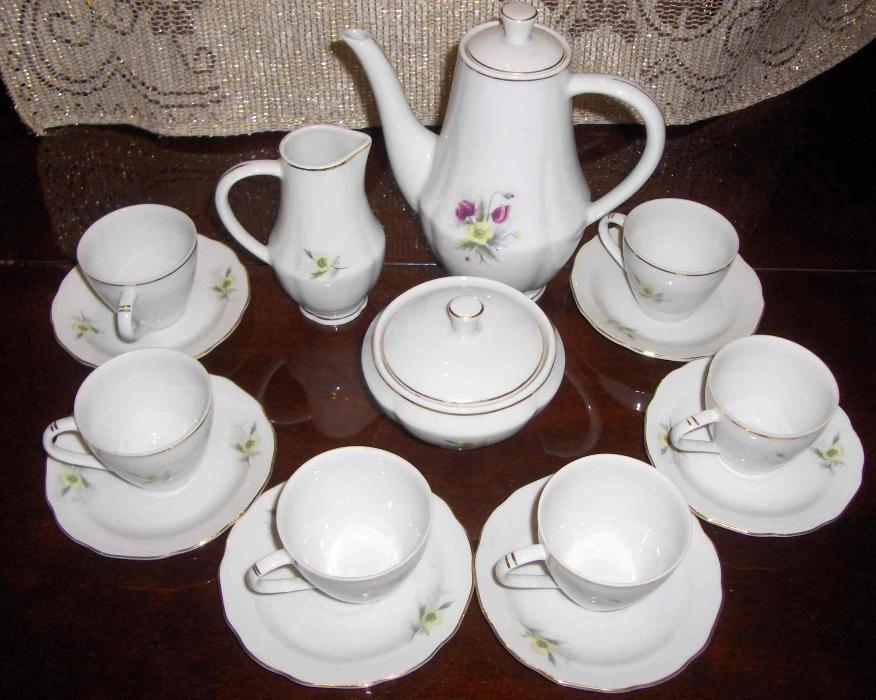 Set de cafea, din 15 piese, anii '80, din portelan fin, din Bulgaria