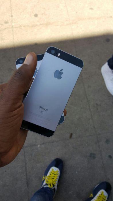 Iphone SE 64g ha bom preço faço entrega