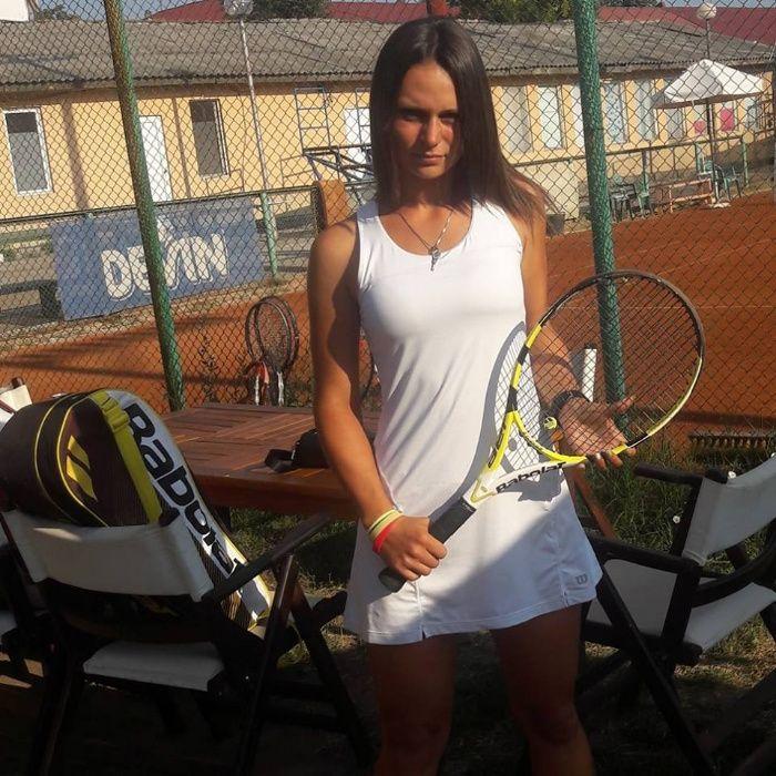Персонален спаринг и треньор по тенис на корт