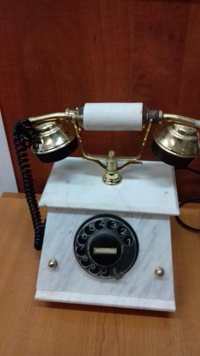 стационарен ретро телефон